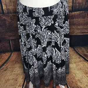 NWT Black & White Floral Maxi Skirt XXL